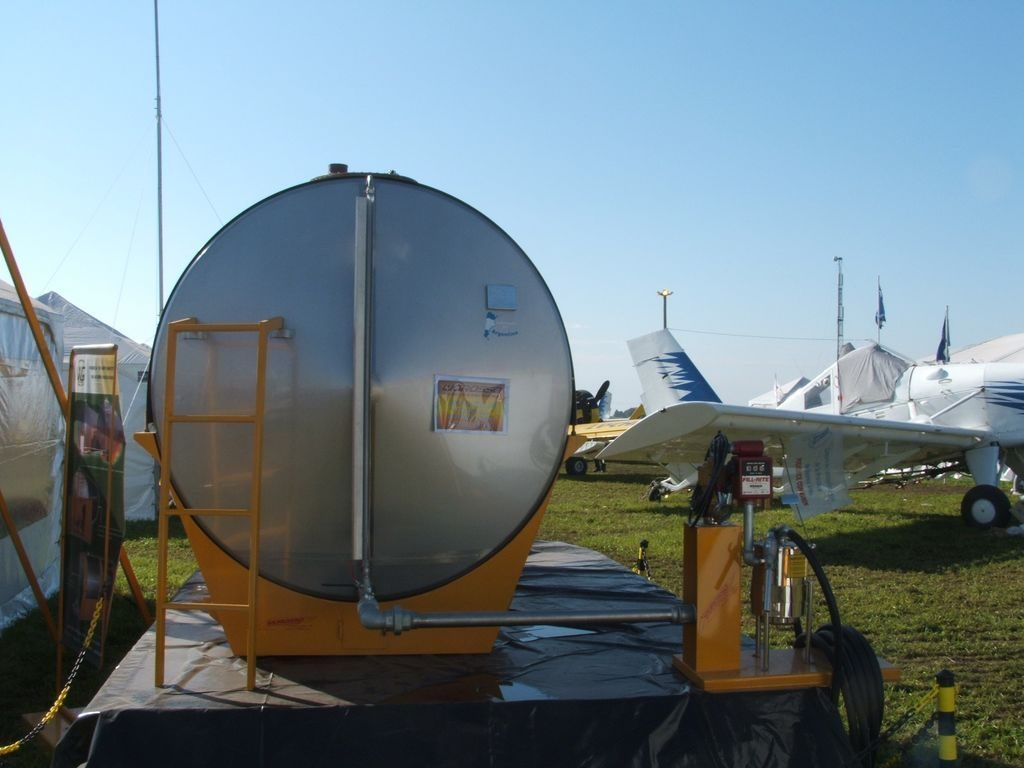 Fuel Tanks 8