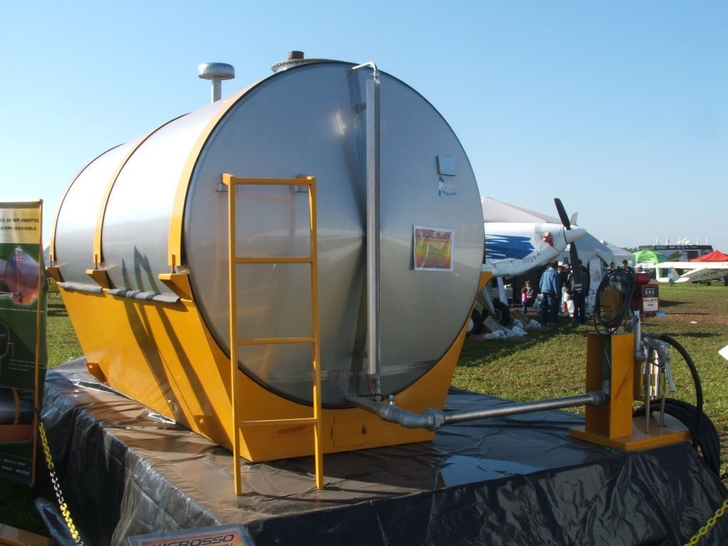 Fuel Tanks 9