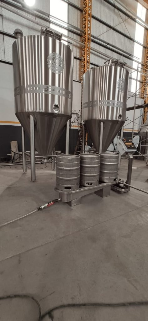 Washer and rinser of semi-automatic beer barrels (4)