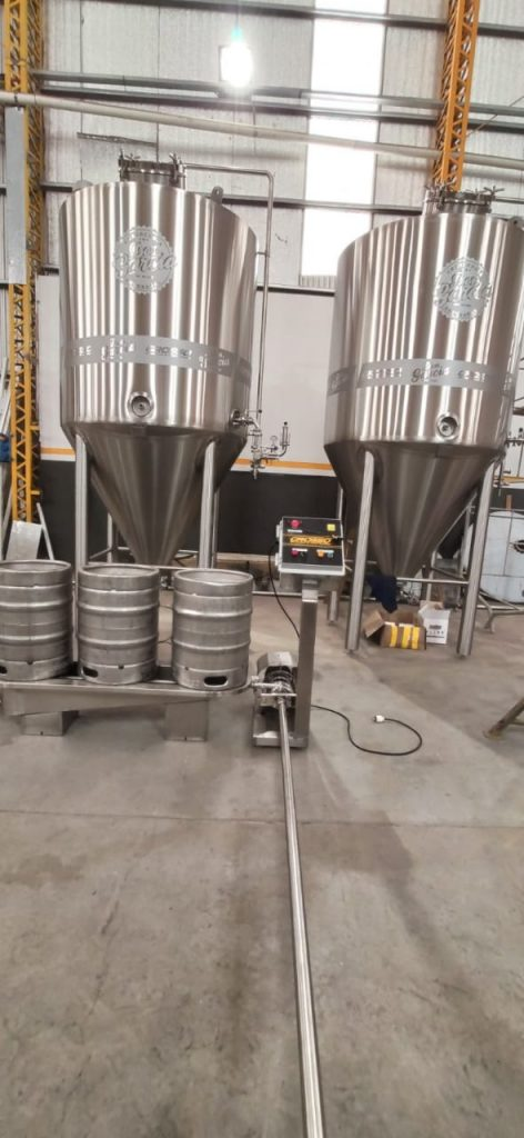Washer and rinser of semi-automatic beer barrels (5)