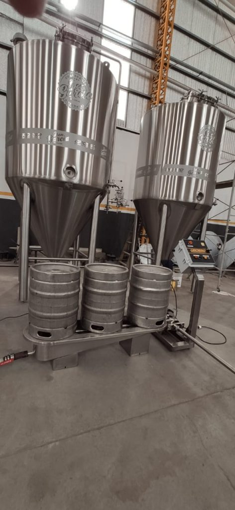 Washer and rinser of semi-automatic beer barrels (6)